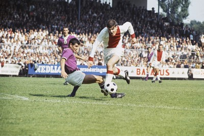 Een jonge Barry, nog zonder bakkebaarden, vriendschappelijk tegen Anderlecht. © SV Ajax / Guus de Jong