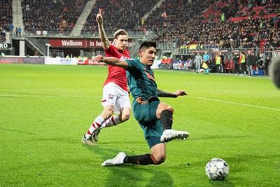 ALKMAAR, 15-12-2019 , AFAS Stadium, Dutch Football Eredivisie Season 2019 / 2020. AZ - Ajax . AZ Player Jonas Svensson and Ajax player Edson Alvarez
