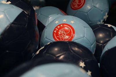 New balls please. © Ajax Life