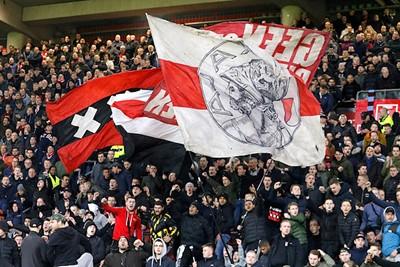 Het stadion moest en zou kolken, maar dan moet Ajax hetzelfde doen... © De Brouwer