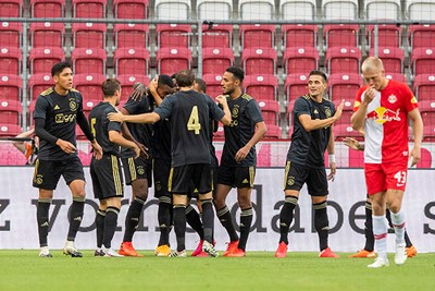 Het wordt een handelsmerk: Ajax schiet uit de startblokken! © Pro Shots