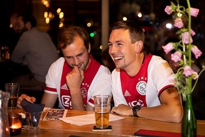 Het was weer ouderwets gezellig in Bar Hout! © Pro Shots
