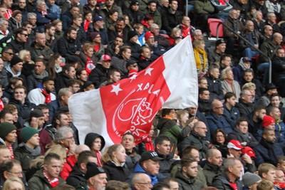 De welbekende vlagrenner heeft zo zijn eigen jeugdopleiding opgezet! © Ajax Life