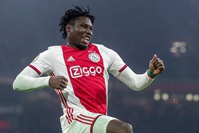 AMSTERDAM, 22-01-2020, Johan Cruijff Arena, KNVB Beker season 2019 / 2020 Player of Ajax Lassina Traore celebrates 6-0 during the game Ajax - Spakenburg