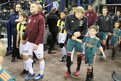 Beetje lol maken met Donny, haha! © Ajax Kids Club