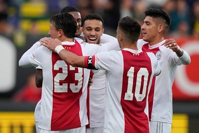 Mazraoui met de 2-0! Nu nog een handtekening graag. © Pro Shots