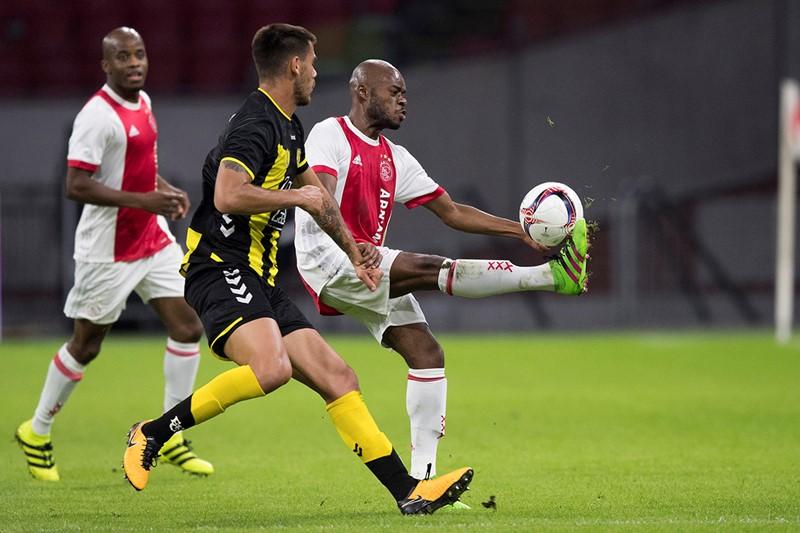 Ajax Amateurs 1200