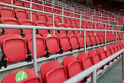 Hopelijk kunnen er heel snel meer stoelen gevuld worden. © De Brouwer