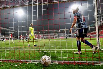 Vijf doelpunten en een helftje KJH, maar geen goaltje van Huntelaar. © Pro Shots