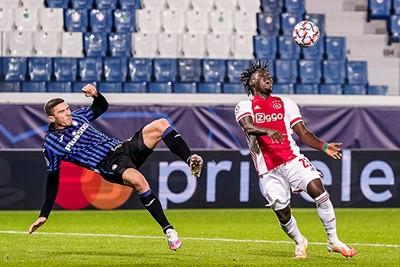 Maar dan keren de kansen, dankzij een gemakkelijk gegeven penalty. © Pro Shots