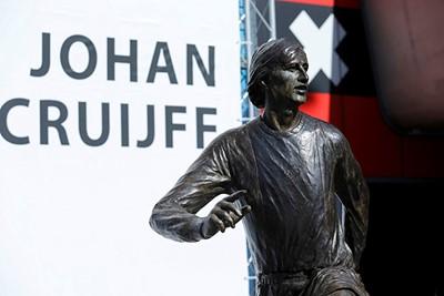Daar is Johan! © Deze man verdient een standbeeld