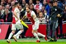 Blind ziet Ajax van zichzelf verliezen en vindt dat hij moet spelen