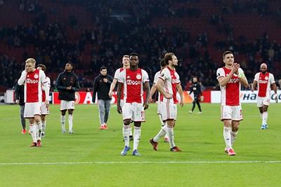 Klaar, over, uit. Ajax verliest eerst van zichzelf en daarna van Getafe. Einde avontuur. © De Brouwer
