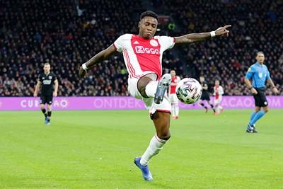Quincy Promes is weer terug, maar de grote vorm had Ajax niet. © De Brouwer
